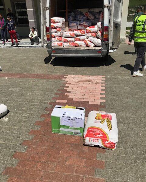 Këshilli Qarkut Dibër u gjendet pranë 250 familjeve në nevojë në 4 bashkitë#Dibër, #Bulqizë, #Klos dhe #MAT me ndihma ushqimore!